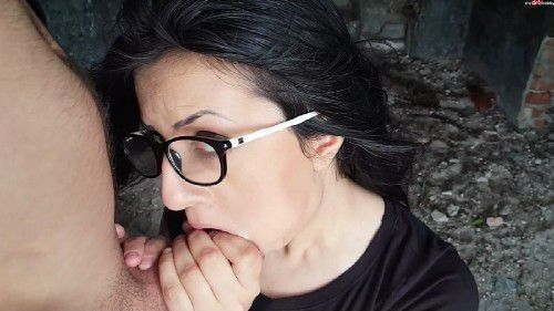 MyDirtyHobby - ErikaAnderson - Glasses fetish outdoor deepthroat with cum in mouth [FullHD 1080p]