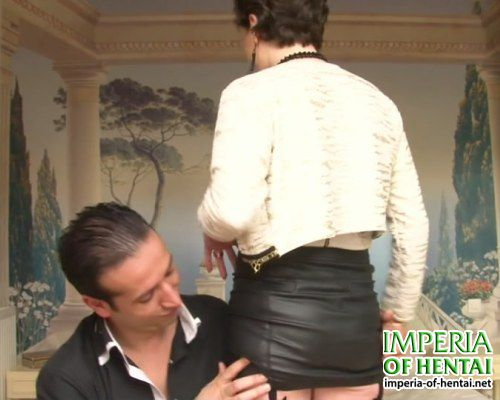 Mature Mary gave in both holes